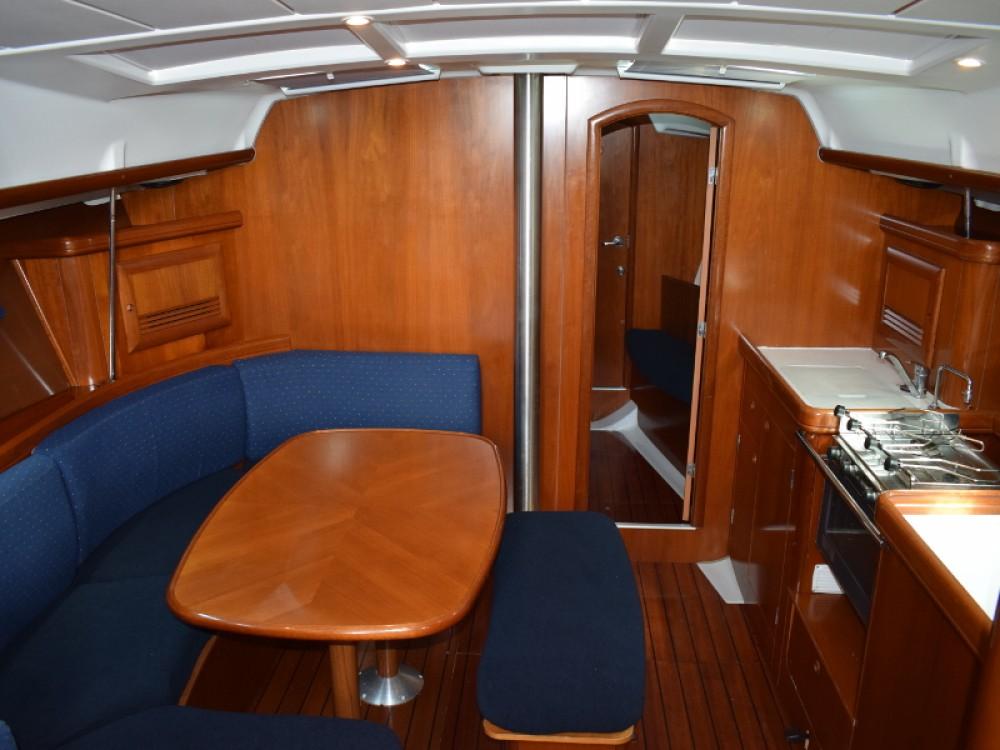 Location bateau Bénéteau Oceanis 393 Clipper à U Pàize/Carloforte sur Samboat