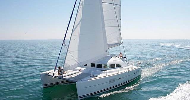 Location bateau Athènes pas cher Lagoon 380 S2