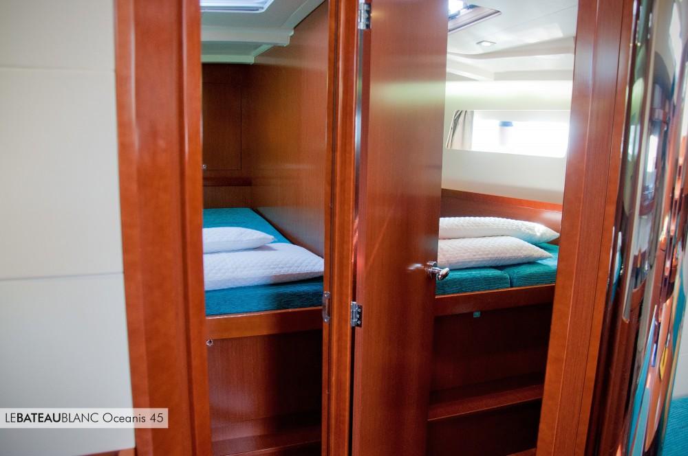 Bénéteau Oceanis 45 entre particuliers et professionnel à Ameglia