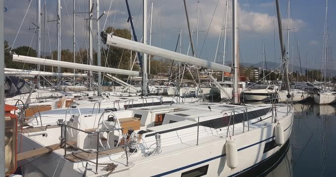 Location bateau Rhodes pas cher Bavaria C45