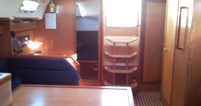 Louez un Bavaria Bavaria 47 Cruiser à Gouviá