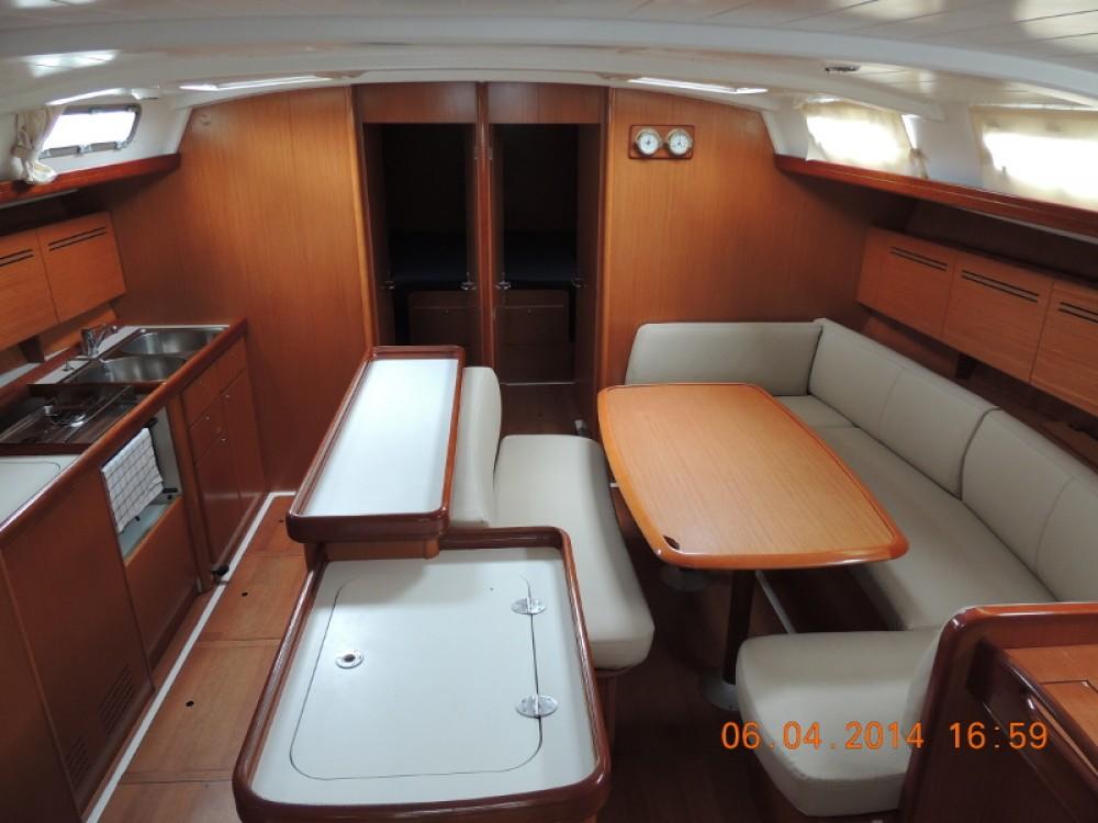 Location bateau Bénéteau Cyclades 50.5 à Marina de Alimos sur Samboat