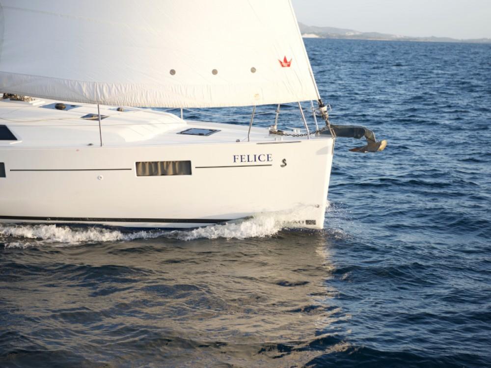 Louer Voilier avec ou sans skipper Bénéteau à Álimos