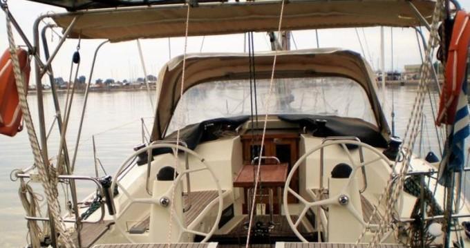 Louez un Bavaria Bavaria 40 Cruiser S à Lefkada (Île)
