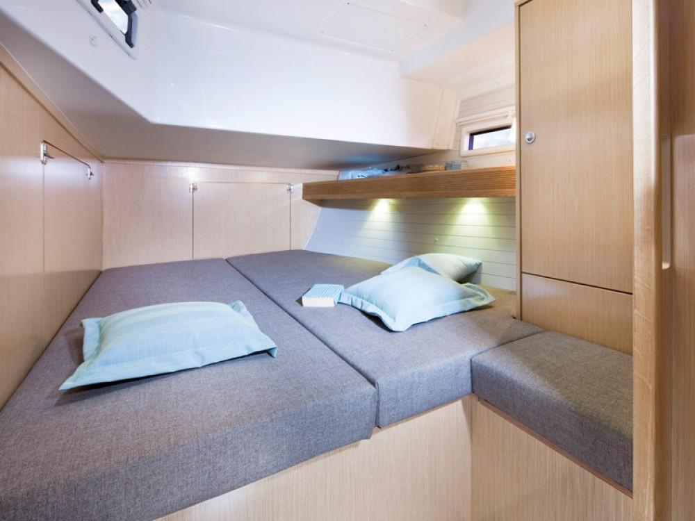 Louez un Bavaria Bavaria 45 Cruiser à Follonica