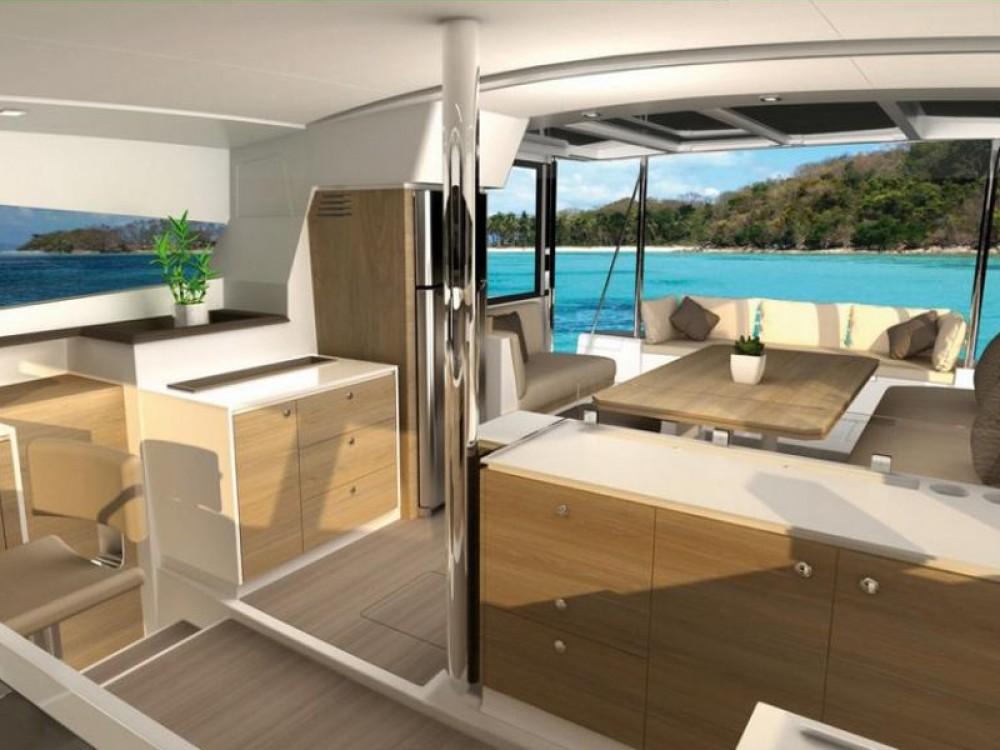 Catamaran à louer à Alzachèna/Arzachena au meilleur prix