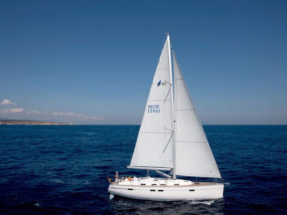 Location bateau Follonica pas cher Bavaria 45 Cruiser