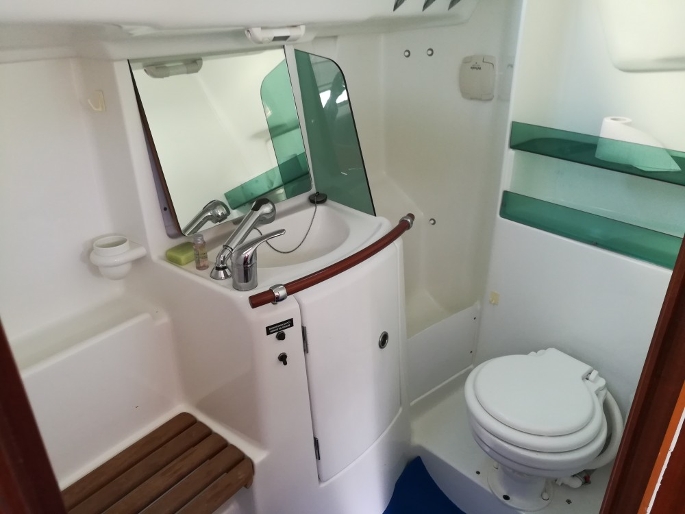 Bénéteau Oceanis 323 entre particuliers et professionnel à Castiglione della Pescaia