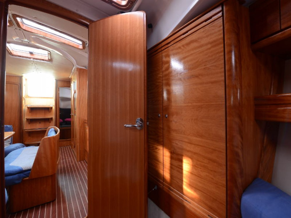 Louez un Bavaria Bavaria 39 Cruiser à Leucade