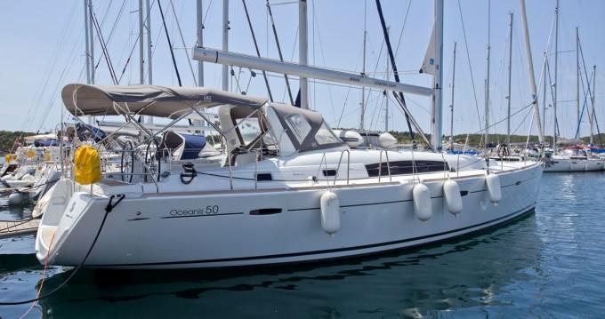 Bénéteau Oceanis 50 entre particuliers et professionnel à Lefkada (Île)