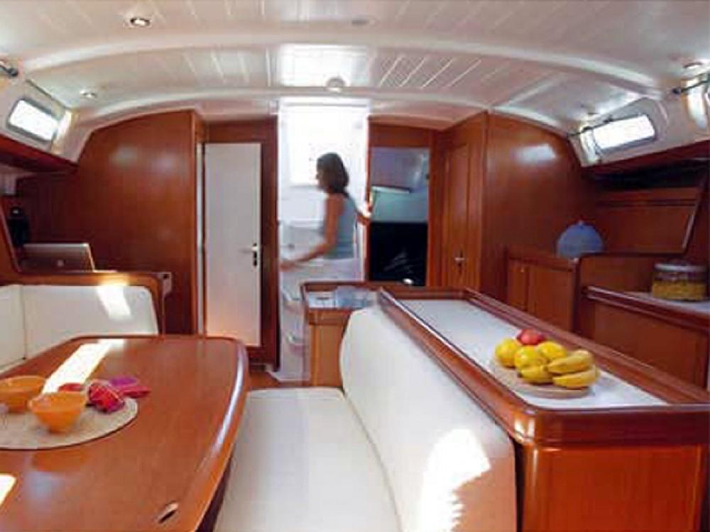 Location bateau Bénéteau Beneteau Cyclades 50.5 à Leucade sur Samboat