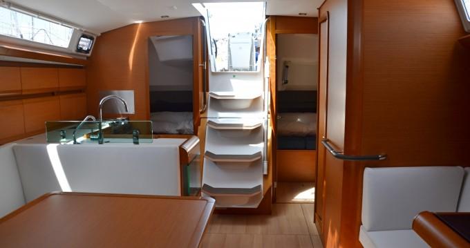 Louez un Jeanneau Sun Odyssey 449 à Nettuno