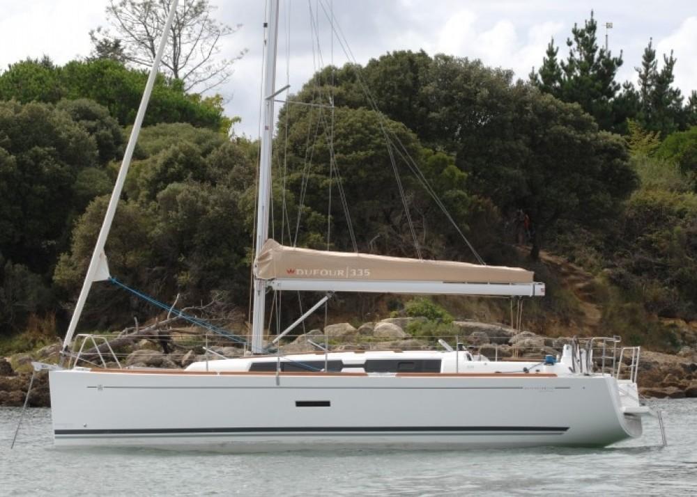 Location bateau Dufour Dufour 335 GL à Orhaniye Mahallesi sur Samboat