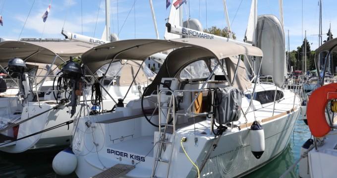 Location bateau Jeanneau Sun Odyssey 319 à Pula sur Samboat