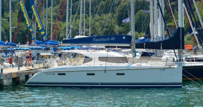 Location bateau Dubrovnik pas cher Nautitech 40