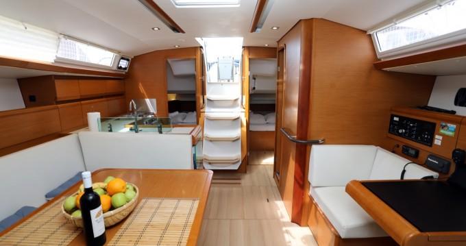 Location bateau Jeanneau Sun Odyssey 449 à Pula sur Samboat