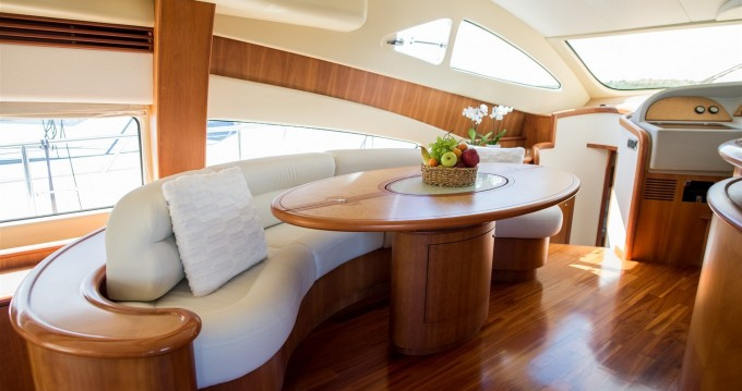 Location bateau Sibenik pas cher Aicon 56 S Fly