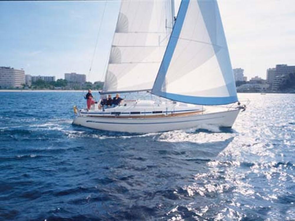 Louez un Bavaria Bavaria 36 à Marina de Alimos