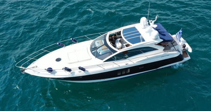 Location bateau Lávrio pas cher Absolute 52