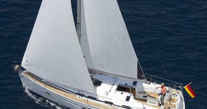 Louez un Bavaria Bavaria 40 Cruiser à Athènes