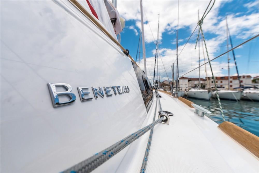 Location bateau Bénéteau Oceanis 35.1 à  sur Samboat