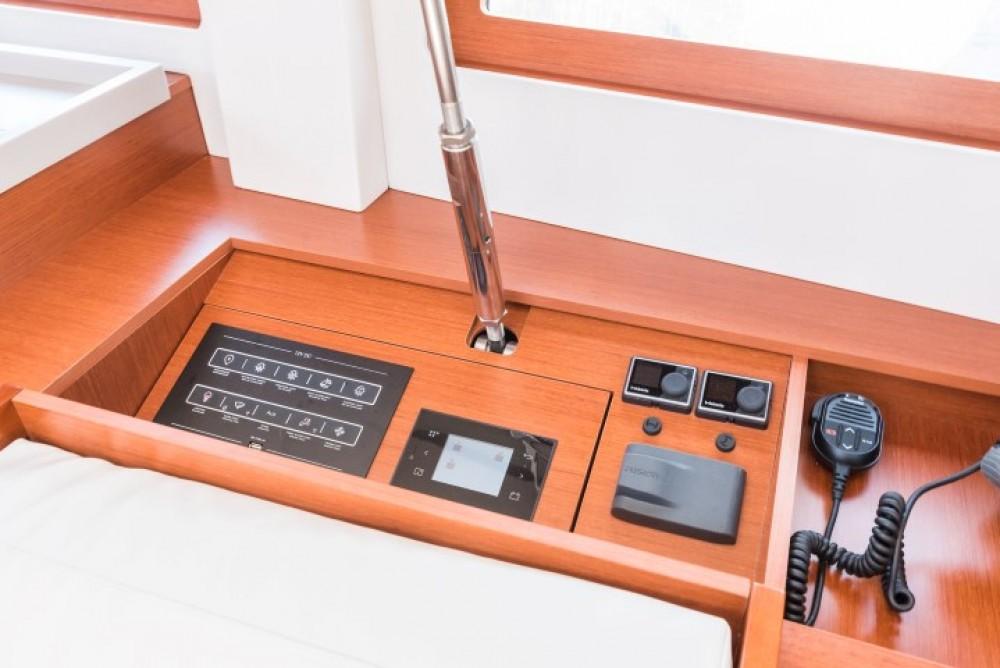 Location bateau  pas cher Oceanis 51.1