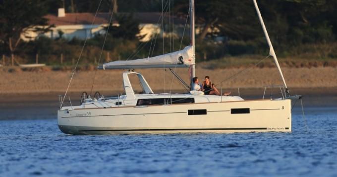 Louez un Bénéteau Oceanis 35 à Split