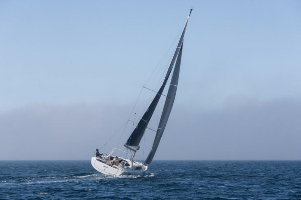 Bénéteau Oceanis 41.1 entre particuliers et professionnel à Split