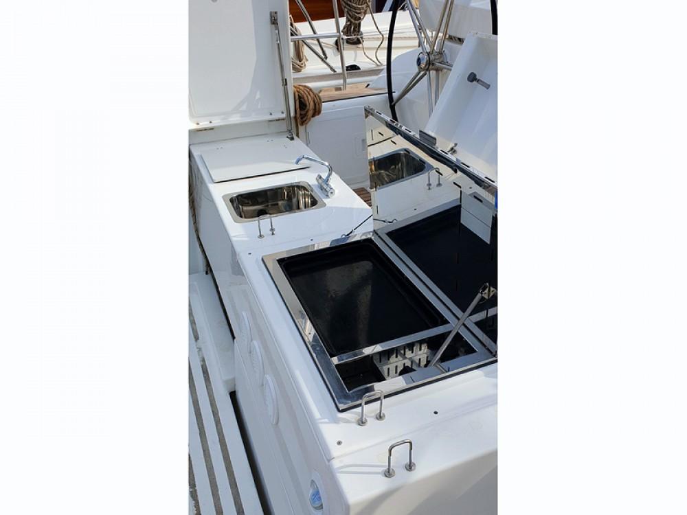 Location bateau Dufour Dufour 520 Grand Large à Rogoznica sur Samboat