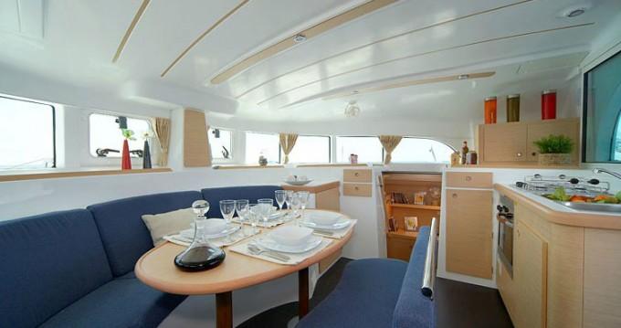 Location bateau Lagoon Lagoon 380 à Paros sur Samboat