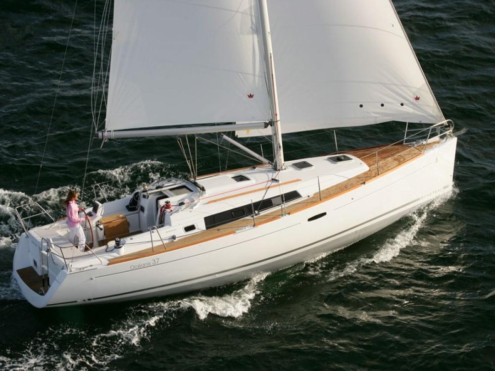 Location bateau Bénéteau Oceanis 37 à Álimos sur Samboat