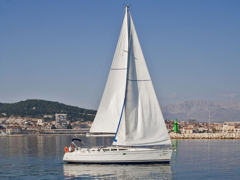 Louer Voilier avec ou sans skipper Jeanneau à Split