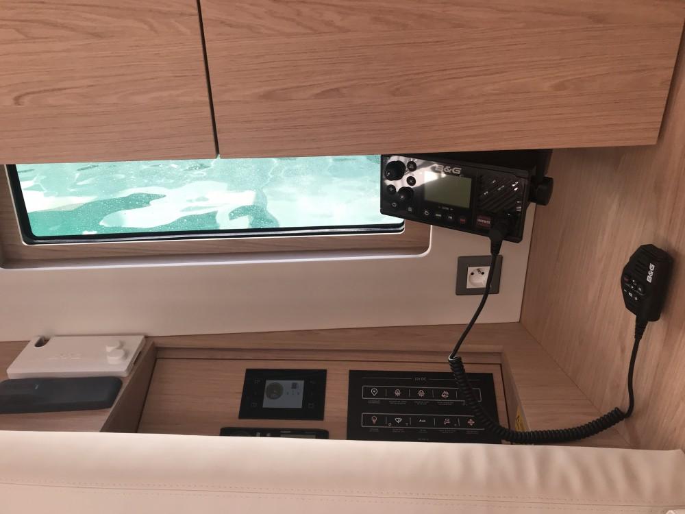 Location bateau Bénéteau Oceanis 46.1 (5 cab) à Castiglioncello sur Samboat