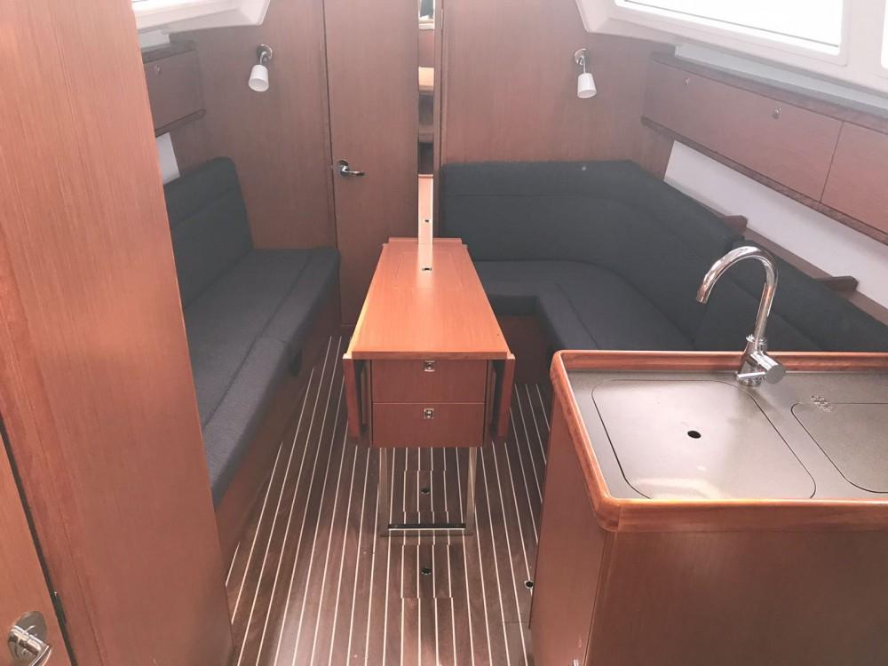 Location bateau Cala dei Sardi pas cher Bavaria Cr 34
