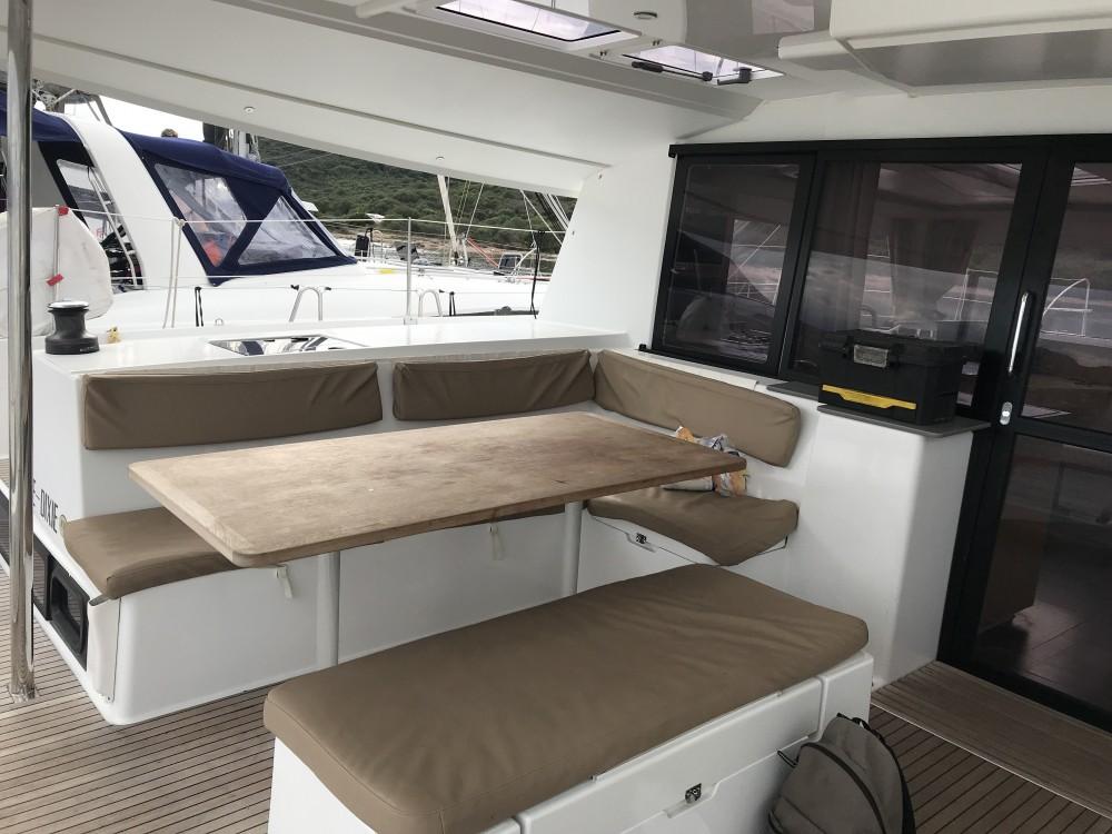 Louer Catamaran avec ou sans skipper Fountaine Pajot à Cala dei Sardi