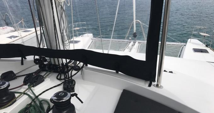 Location bateau Portisco pas cher Lagoon 52 F
