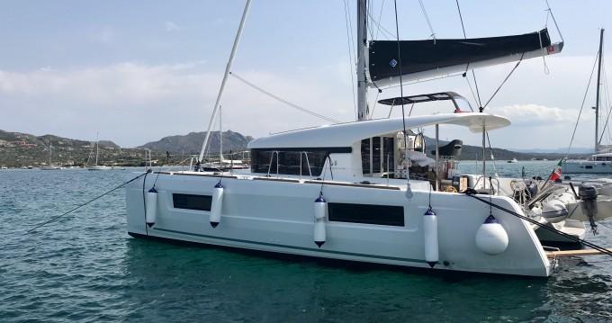 Location bateau Lagoon Lagoon 40 à Salerno sur Samboat