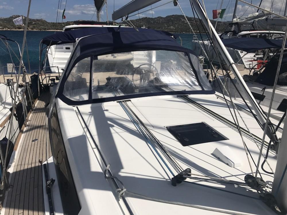 Location bateau Cala dei Sardi pas cher Oceanis 45