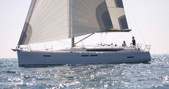Location bateau Jeanneau Sun Odyssey 449 à Gouviá sur Samboat