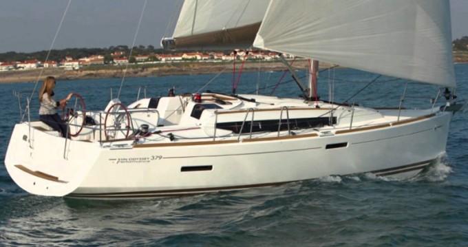 Location bateau Álimos pas cher Sun Odyssey 379