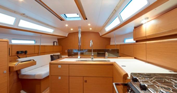 Location yacht à Álimos - Jeanneau Sun Odyssey 379 sur SamBoat