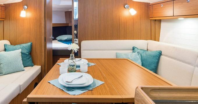 Bavaria Cruiser 37 entre particuliers et professionnel à Propriano