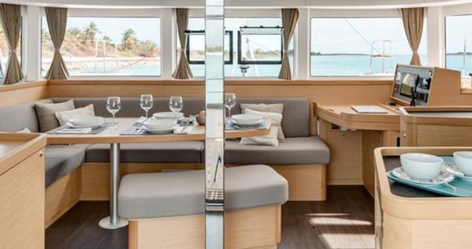 Louer Catamaran avec ou sans skipper Lagoon à Rodney Bay