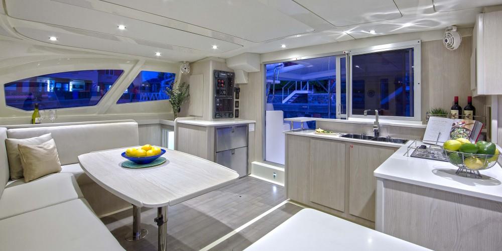 Location Catamaran à Marina - Leopard Moorings 4400