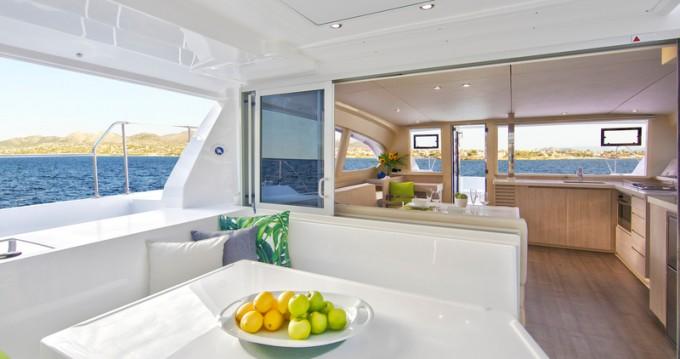 Location bateau Eden Island pas cher Sunsail 404