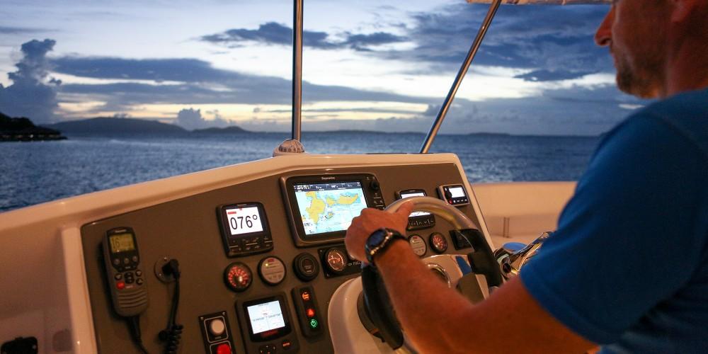 Location Catamaran à Bay of Zea - Leopard Moorings 514 PC