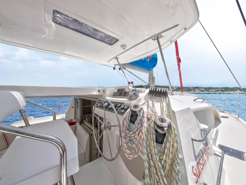 Location Catamaran à Bay of Zea - Leopard Sunsail 404