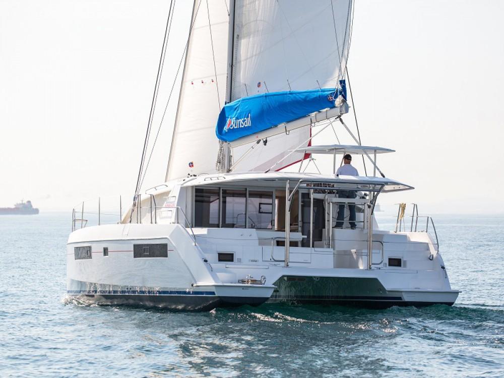 Location yacht à Bay of Zea - Leopard Sunsail 404 sur SamBoat