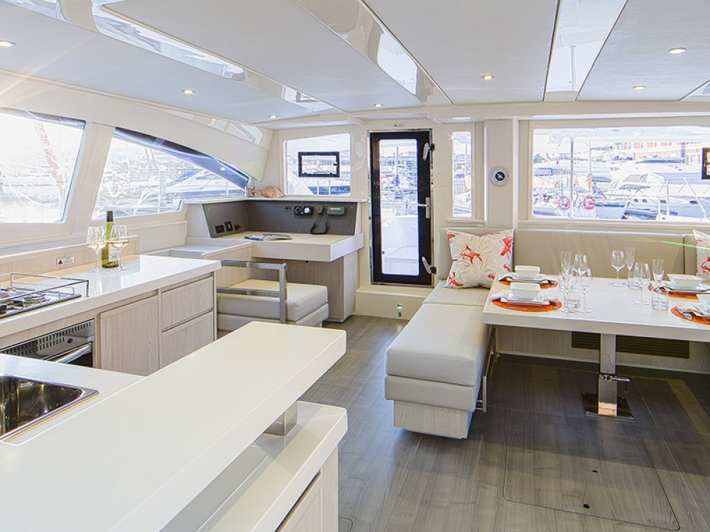 Location Catamaran à  - Leopard Moorings 4800