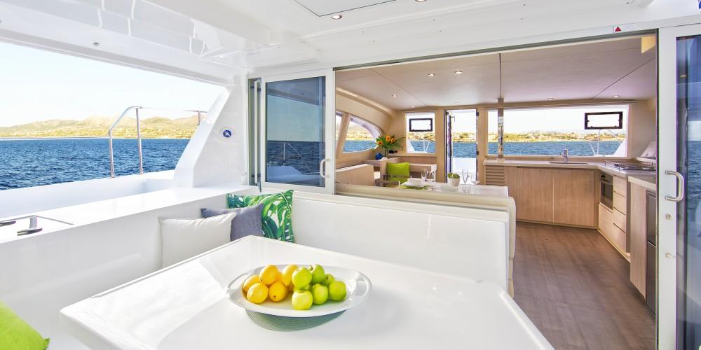 Louer Catamaran avec ou sans skipper Leopard à Castries